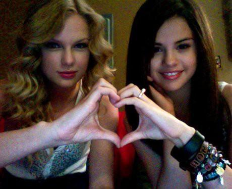 Taylor Swift và Selena Gomez: Tình bạn chân thành suốt 13 năm của hai ngôi sao quyền lực nhất showbiz - Ảnh 1.