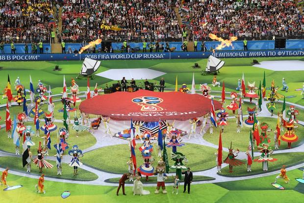 Robbie Williams đốt nóng sân vận động, khai mạc World Cup 2018 - ảnh 3