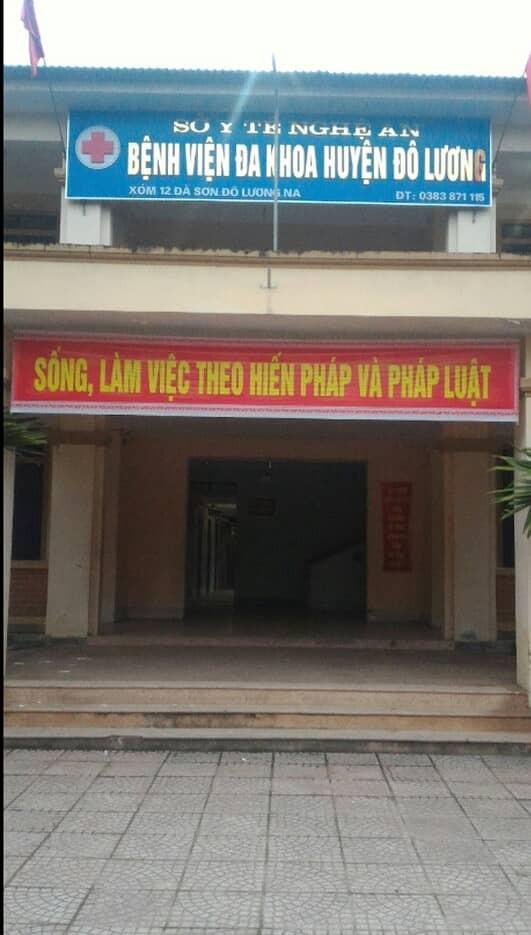 Bé trai 12 tuổi nghi bị mẹ kế đánh nhập viện ở Nghệ An: Mẹ kế là giáo viên, do thằng bé ăn nói hỗn láo nên mới dạy - Ảnh 4.
