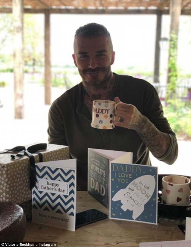 David Beckham chia sẻ nỗi niềm làm cha: Vẫn lo lắng cho con cả 19 tuổi và thường đi bộ cùng Harper đến trường - Ảnh 6.
