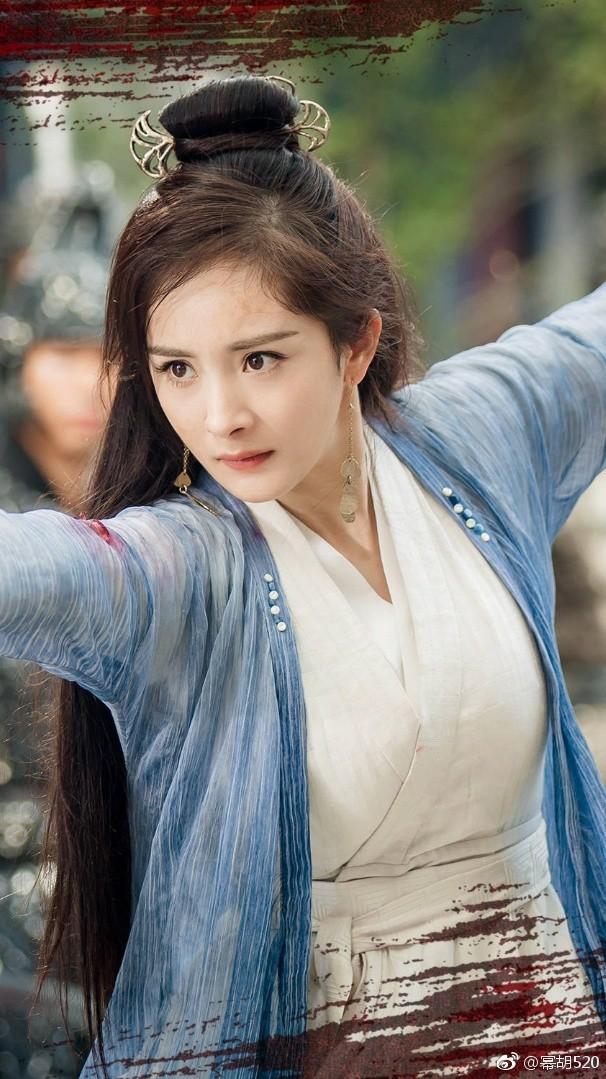 """Phim vừa chiếu, trán """"sân bay"""" của Dương Mịch lại khiến người ta chú ý nhưng lần này là được khen tới tấp - Ảnh 1."""