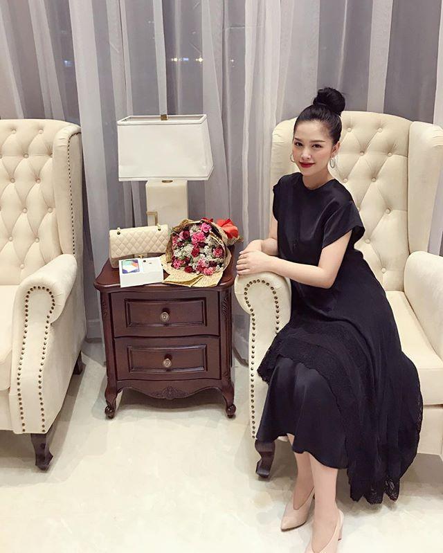Ơn giời, cuối cùng vợ chồng Trang Pilla cũng dẫn con gái Bảo Hân đi chơi cùng sau bao ngày trốn con vi vu rồi - Ảnh 13.