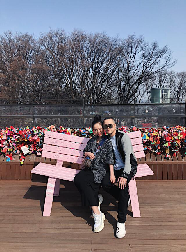 Ơn giời, cuối cùng vợ chồng Trang Pilla cũng dẫn con gái Bảo Hân đi chơi cùng sau bao ngày trốn con vi vu rồi - Ảnh 9.