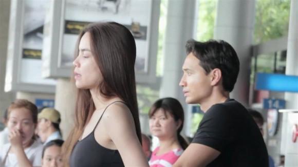 Hồ Ngọc Hà để mặt mộc cùng Kim Lý trở về Việt Nam - Ảnh 1.