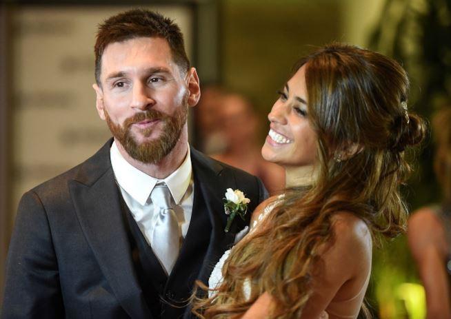 Lionel Messi - chàng cầu thủ biết yêu từ năm... 9 tuổi nhưng từ đó đến nay đã 22 năm chỉ chung thủy với duy nhất một người - Ảnh 9.