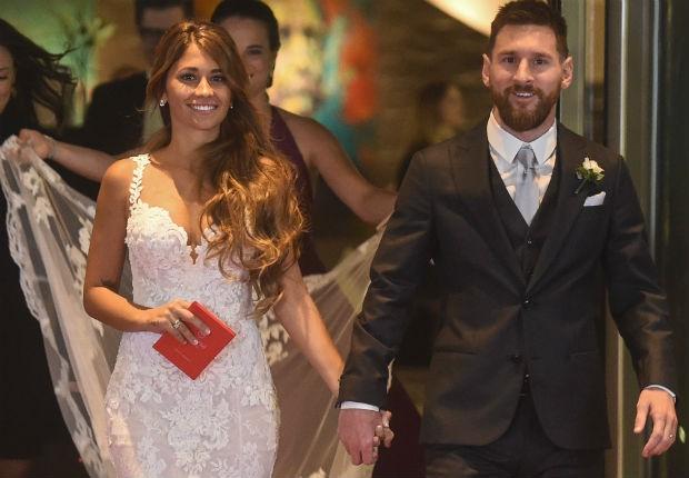 Lionel Messi - chàng cầu thủ biết yêu từ năm... 9 tuổi nhưng từ đó đến nay đã 22 năm chỉ chung thủy với duy nhất một người - Ảnh 8.