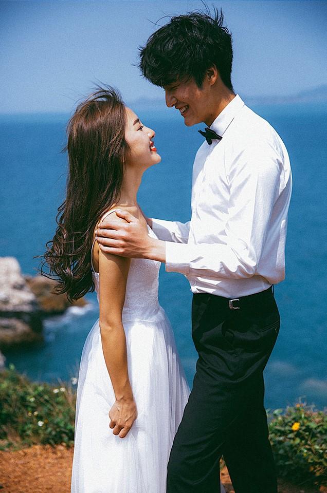 Bộ ảnh cưới đẹp mê đang khuấy đảo MXH: Thần thái quá đỗi tự nhiên, tình và mãn nguyện - Ảnh 13.