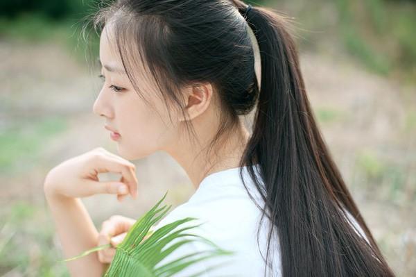Dù có nhiều màu tóc nhuộm thì mái tóc đen dài vẫn là vũ khí gây thương nhớ của phái đẹp - Ảnh 2.