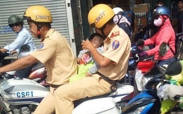 TP.HCM: Bé trai sốt cao được hai chiến sĩ CSGT đưa đi cấp cứu kịp thời đã xuất viện