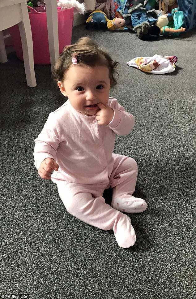 Bé 10 tháng tuổi tử vong chỉ vài giờ sau khi đi những bước đầu tiên do một căn bệnh rất nguy hiểm với trẻ nhỏ - Ảnh 2.