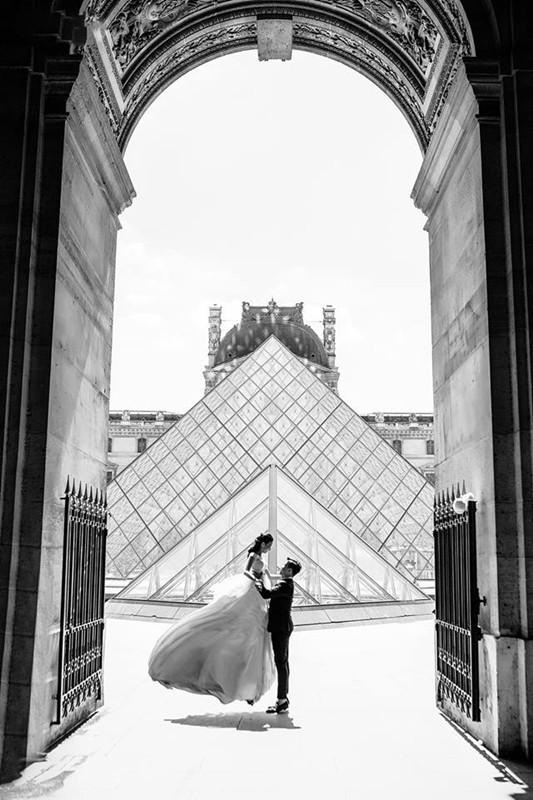 Chàng bác sỹ chi khoản tiền lớn đưa người yêu sang Pháp chụp ảnh cưới chỉ vì đó là mơ ước của em - Ảnh 13.