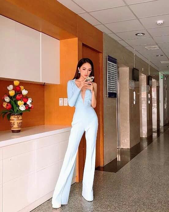 Diện bộ jumpsuit gợi cảm nhưng HH Hương Giang lộ thân hình gầy trơ xương với hình ảnh chưa qua photoshop - Ảnh 3.