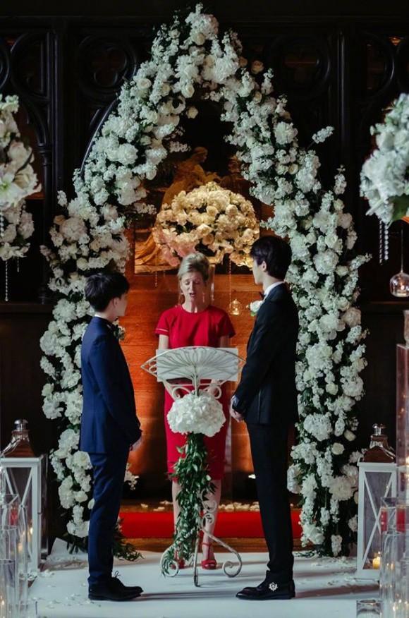 Đám cưới cổ tích tại lâu đài nước Anh của cặp mỹ nam hot nhất nhì châu Á - Ảnh 9.