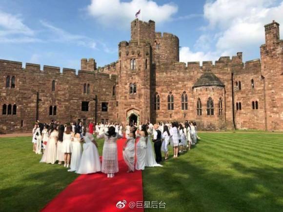 Đám cưới cổ tích tại lâu đài nước Anh của cặp mỹ nam hot nhất nhì châu Á - Ảnh 15.