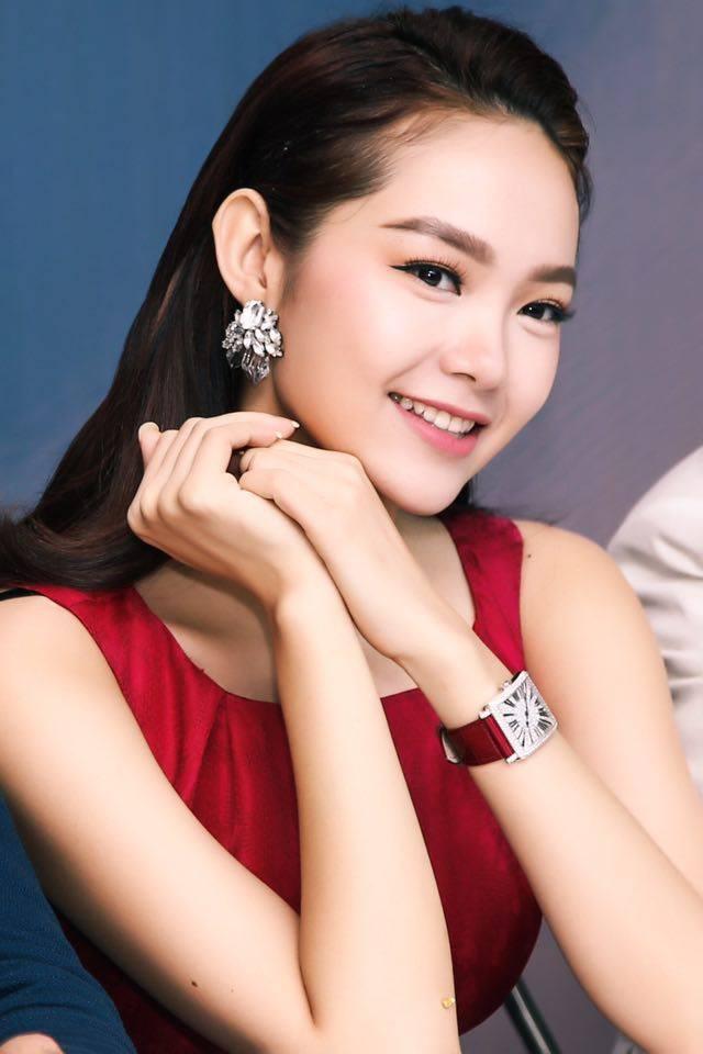 Vừa bị stylist tố ki bo, Minh Hằng đã diện bộ phụ kiện gần 2 tỷ đồng ra sân bay chuẩn bị casting The Face - Ảnh 6.