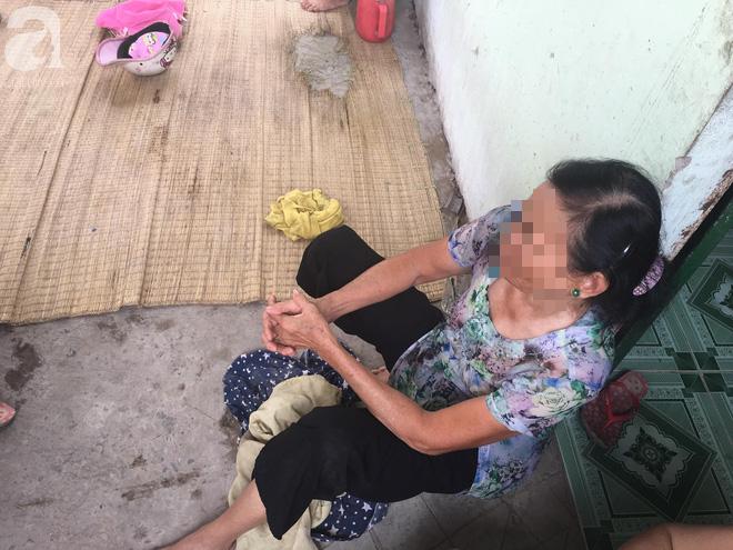 Bà nội bé gái 10 tuổi nghi bị bố ruột hiếp dâm nhiều lần ở Long An: Con bé sợ cả nhà bị bố nó giết nên nào dám kể cho ai nghe - Ảnh 6.