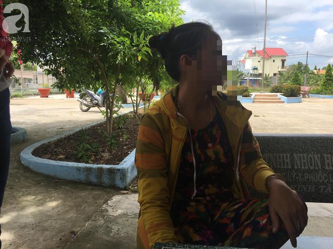 Bà nội bé gái 10 tuổi nghi bị bố ruột hiếp dâm nhiều lần ở Long An: Con bé sợ cả nhà bị bố nó giết nên nào dám kể cho ai nghe - Ảnh 9.