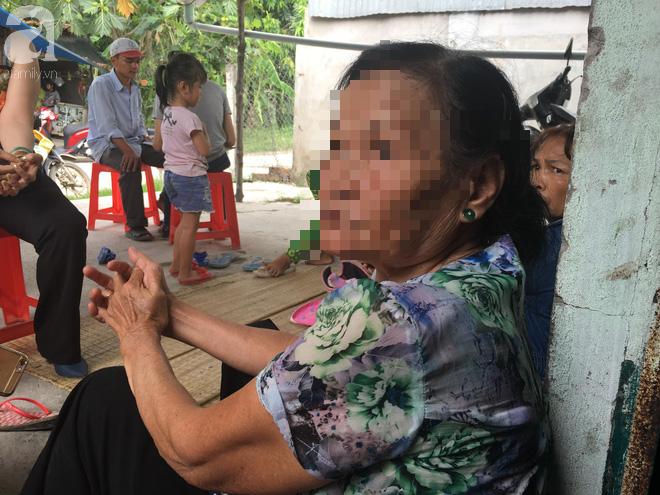 Bà nội bé gái 10 tuổi nghi bị bố ruột hiếp dâm nhiều lần ở Long An: Con bé sợ cả nhà bị bố nó giết nên nào dám kể cho ai nghe - Ảnh 8.
