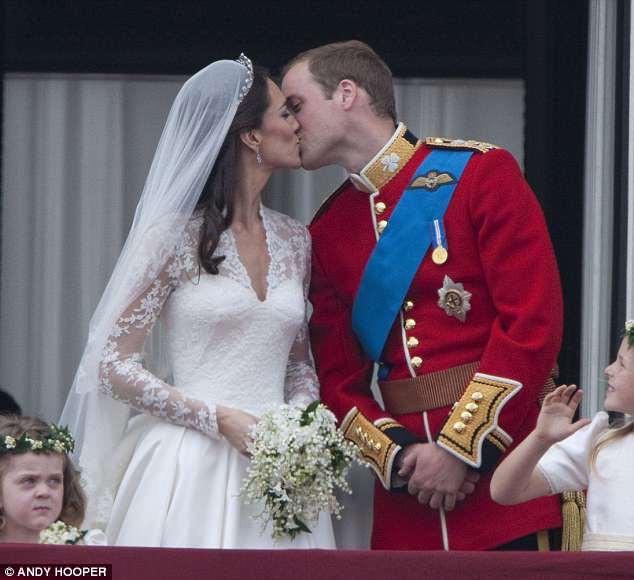 Meghan nhận ân sủng mới từ Nữ Hoàng Anh, Công nương Kate chưa từng có - Ảnh 3.