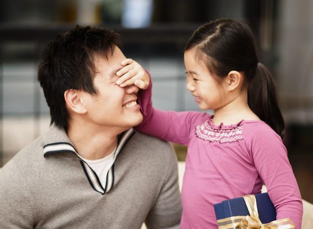 Dường như càng cố gắng trở thành người mẹ tốt thì trong mắt bố con anh, tôi càng xấu xa ác độc - Ảnh 1.