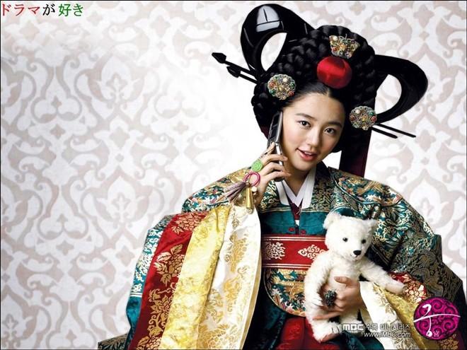 Dàn diễn viên Hoàng Cung sau 12 năm: Người rẽ bước trở thành ngôi sao giải trí, kẻ chật vật trỗi dậy sau scandal - Ảnh 2.