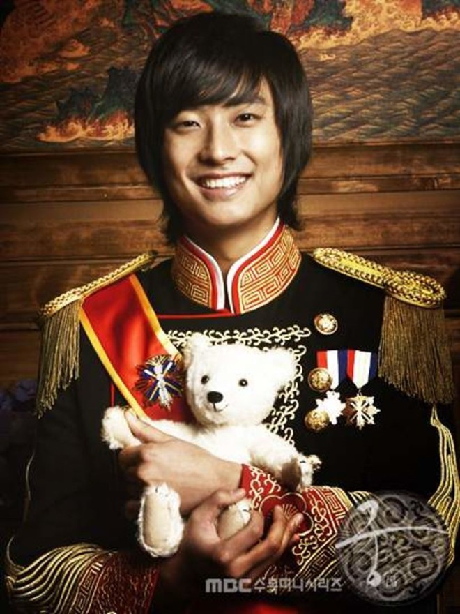Dàn diễn viên Hoàng Cung sau 12 năm: Người rẽ bước trở thành ngôi sao giải trí, kẻ chật vật trỗi dậy sau scandal - Ảnh 5.