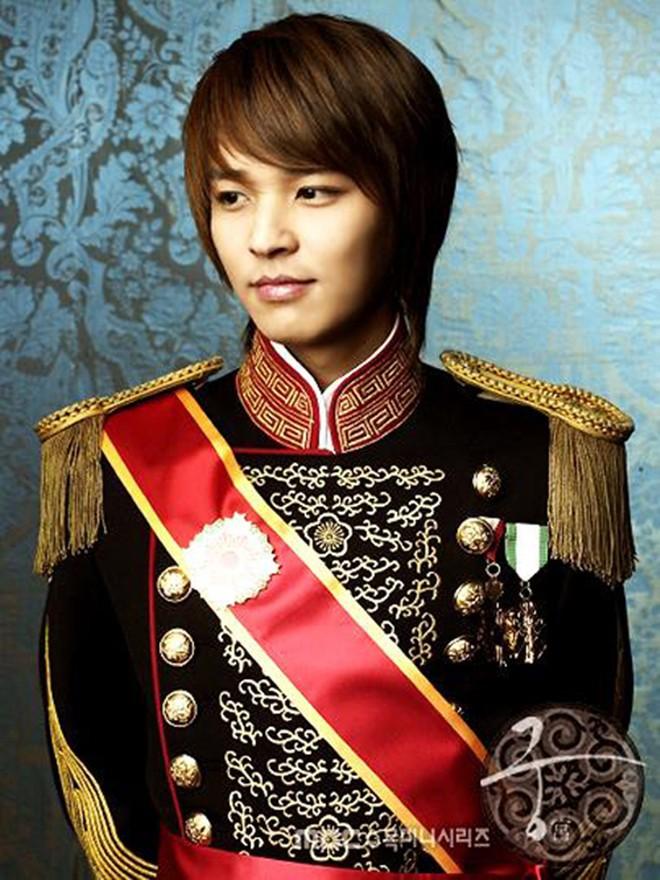Dàn diễn viên Hoàng Cung sau 12 năm: Người rẽ bước trở thành ngôi sao giải trí, kẻ chật vật trỗi dậy sau scandal - Ảnh 8.