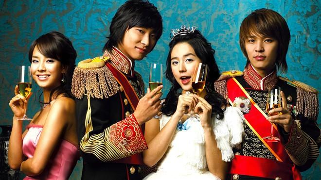 Dàn diễn viên Hoàng Cung sau 12 năm: Người rẽ bước trở thành ngôi sao giải trí, kẻ chật vật trỗi dậy sau scandal - Ảnh 10.