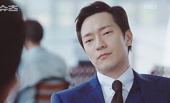 Jang Dong Gun rưng rưng khi phải đuổi việc nữ thư ký xinh đẹp - Ảnh 2.