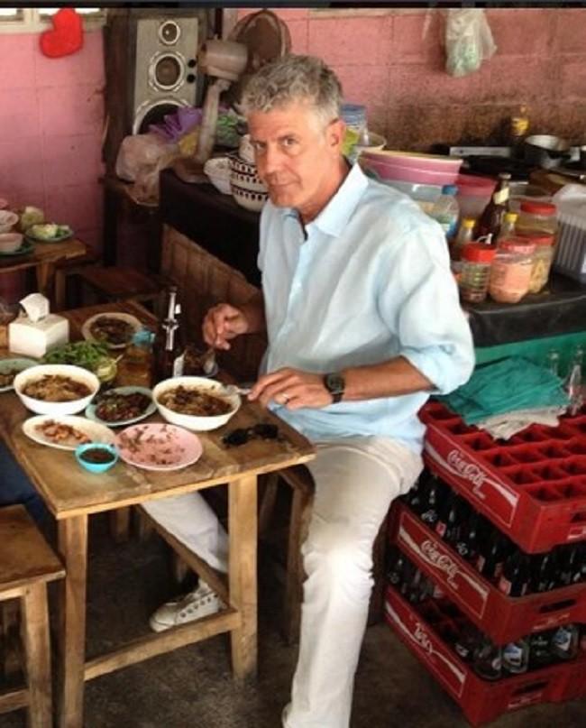 Bánh mỳ Hội An lên truyền hình Mỹ và những hình ảnh không thể nào quên khi đầu bếp Anthony Bourdain đưa ẩm thực Việt Nam đến gần hơn với thế giới - Ảnh 7.