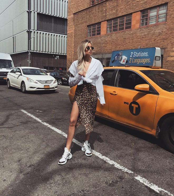 Bạn có thể trở nên cool như các IT girl, fashion blogger chỉ với 4 bí quyết ăn mặc đơn giản này - Ảnh 6.