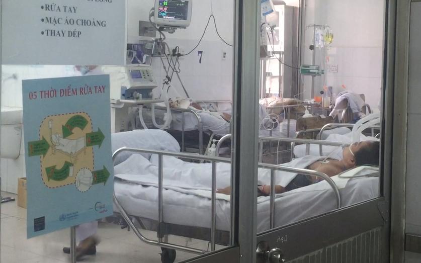 Người tài xế nhiễm cúm A/H1N1 điều trị tại bệnh viện Chợ Rẫy đang thở máy, tiên lượng dè dặt