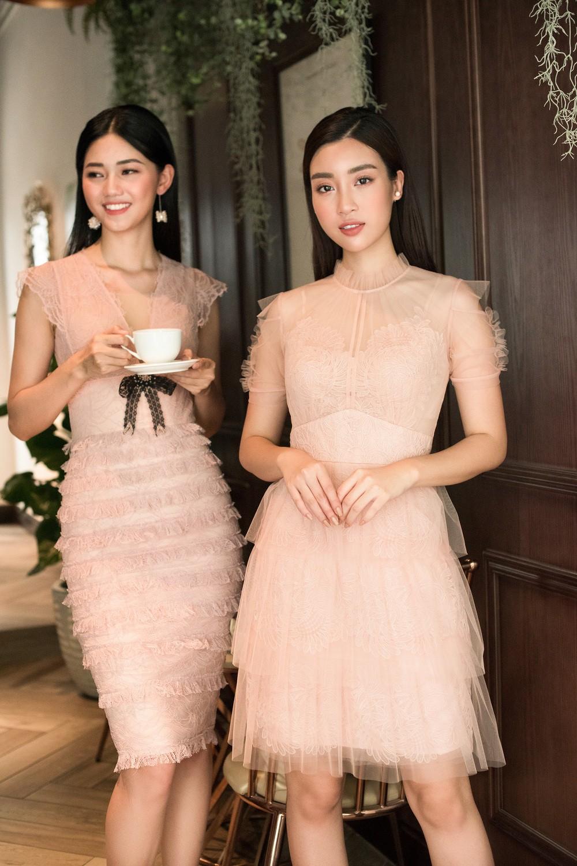 Hoa hậu Mỹ Linh, Á hậu Thanh Tú đốn gục trái tim mọi chàng trai với bộ ảnh ngọt ngào, nữ tính - Ảnh 6.