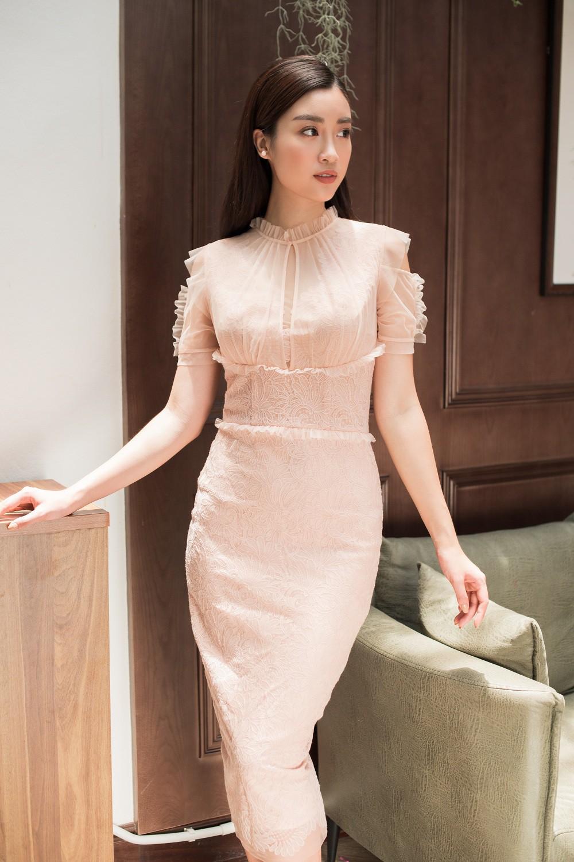 Hoa hậu Mỹ Linh, Á hậu Thanh Tú đốn gục trái tim mọi chàng trai với bộ ảnh ngọt ngào, nữ tính - Ảnh 9.