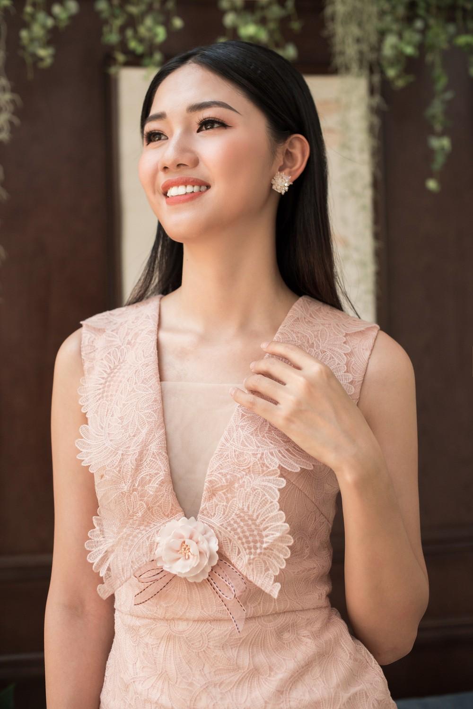 Hoa hậu Mỹ Linh, Á hậu Thanh Tú đốn gục trái tim mọi chàng trai với bộ ảnh ngọt ngào, nữ tính - Ảnh 10.