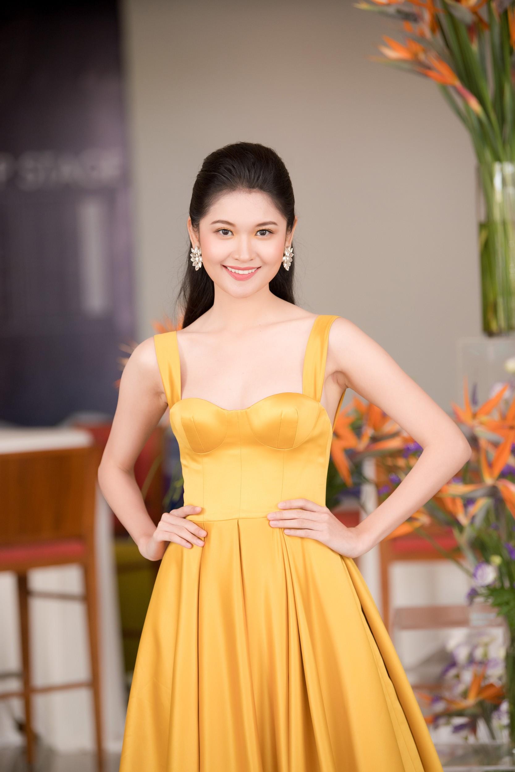 Hoa hậu Việt Nam 2018 mời bác sĩ nha khoa, nhân trắc học nhiều lần tránh để lọt thí sinh phẫu thuật thẩm mỹ - Ảnh 6.