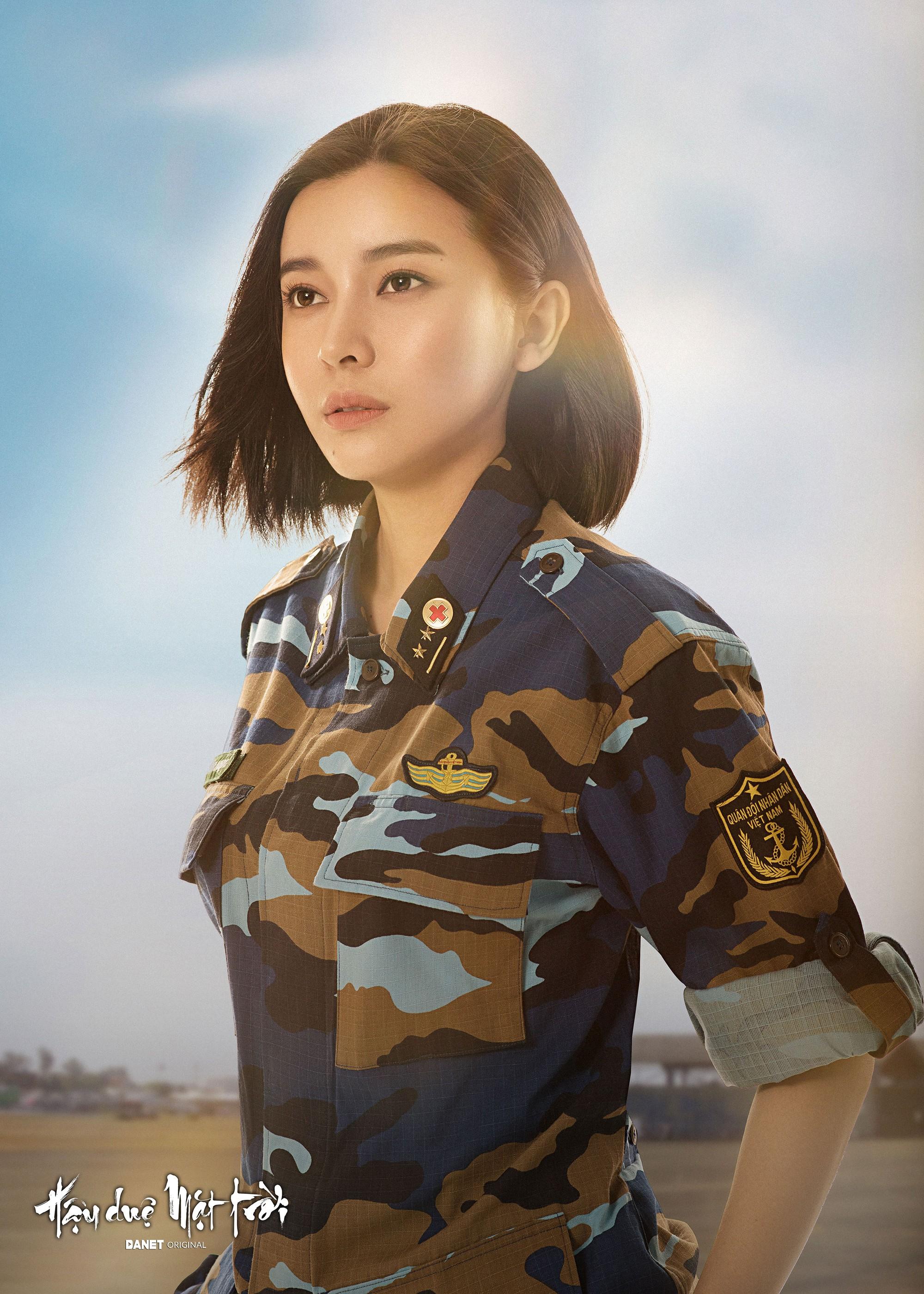 Nữ phụ Hậu duệ Mặt trời Cao Thái Hà: Tôi được mời cast vai bác sĩ chứ không phải trung úy  - Ảnh 2.