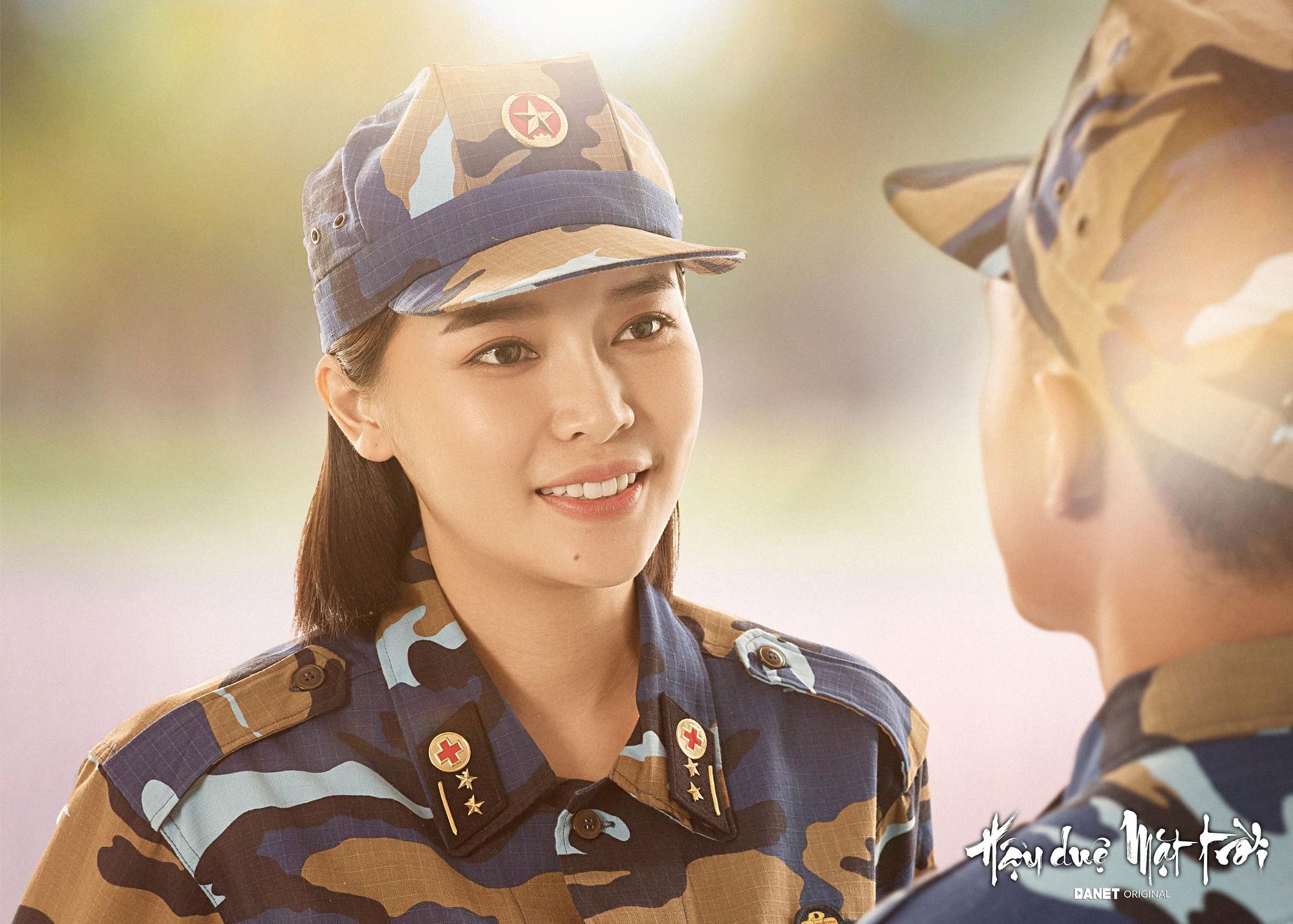 Nữ phụ Hậu duệ Mặt trời Cao Thái Hà: Tôi được mời cast vai bác sĩ chứ không phải trung úy  - Ảnh 4.
