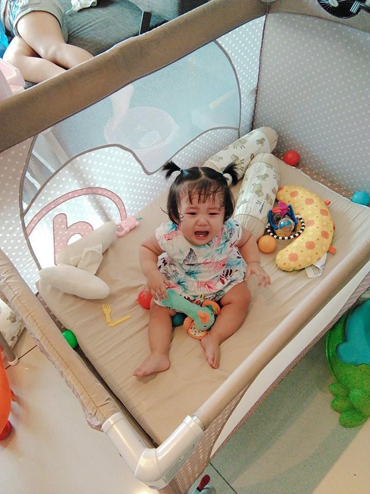 Mẹ đi đâu, con đu theo đấy - Bộ ảnh mẹ Việt chia sẻ khiến hàng nghìn mẹ có con nhỏ đồng cảm - Ảnh 5.