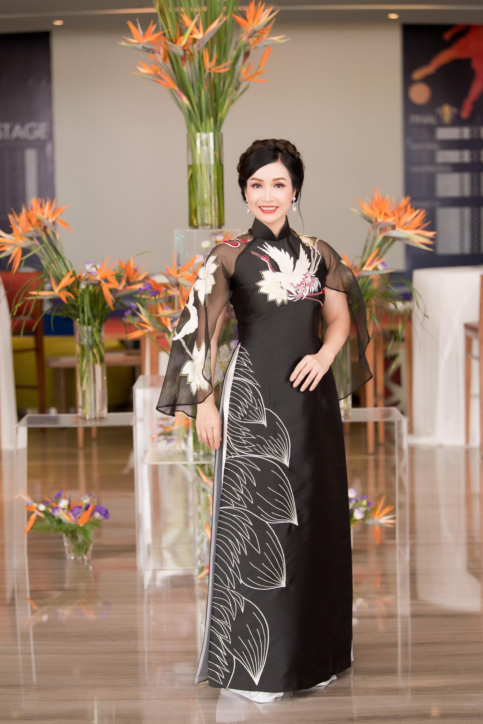 Hoa hậu Việt Nam 2018 mời bác sĩ nha khoa, nhân trắc học nhiều lần tránh để lọt thí sinh phẫu thuật thẩm mỹ - Ảnh 2.