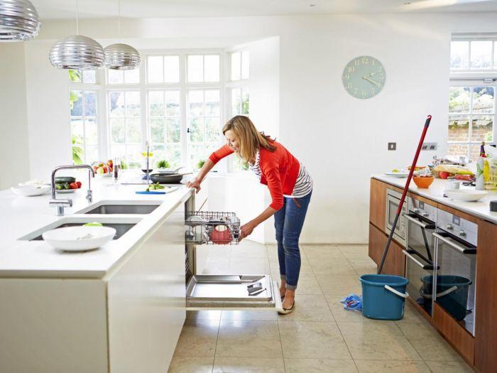 Một phụ nữ tử vong do ngộ độc chất tẩy rửa vệ sinh khi lau bếp: Chuyên gia đưa ra những cảnh báo đáng chú ý - Ảnh 3.