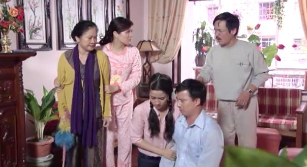 Trái ngược với Quỳnh Búp Bê, phim thế sóng có nội dung về gia đình cực kì nghiêm túc - Ảnh 1.