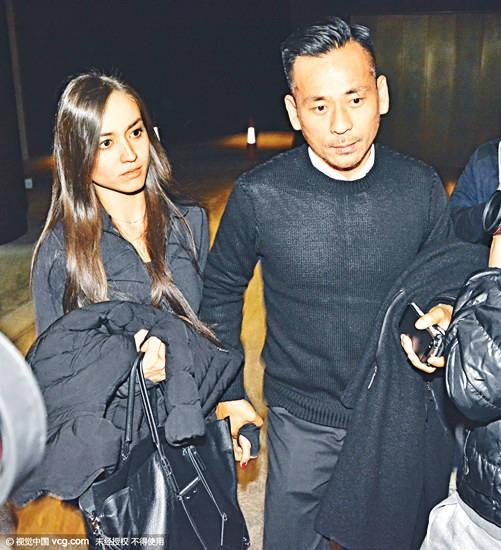 Chi gần 8 ngàn tỷ ly hôn vợ để đến với bồ nhí, tỷ phú Hồng Kông vẫn tranh thủ cặp kè thêm mẫu nữ Nhật Bản nóng bỏng - Ảnh 3.