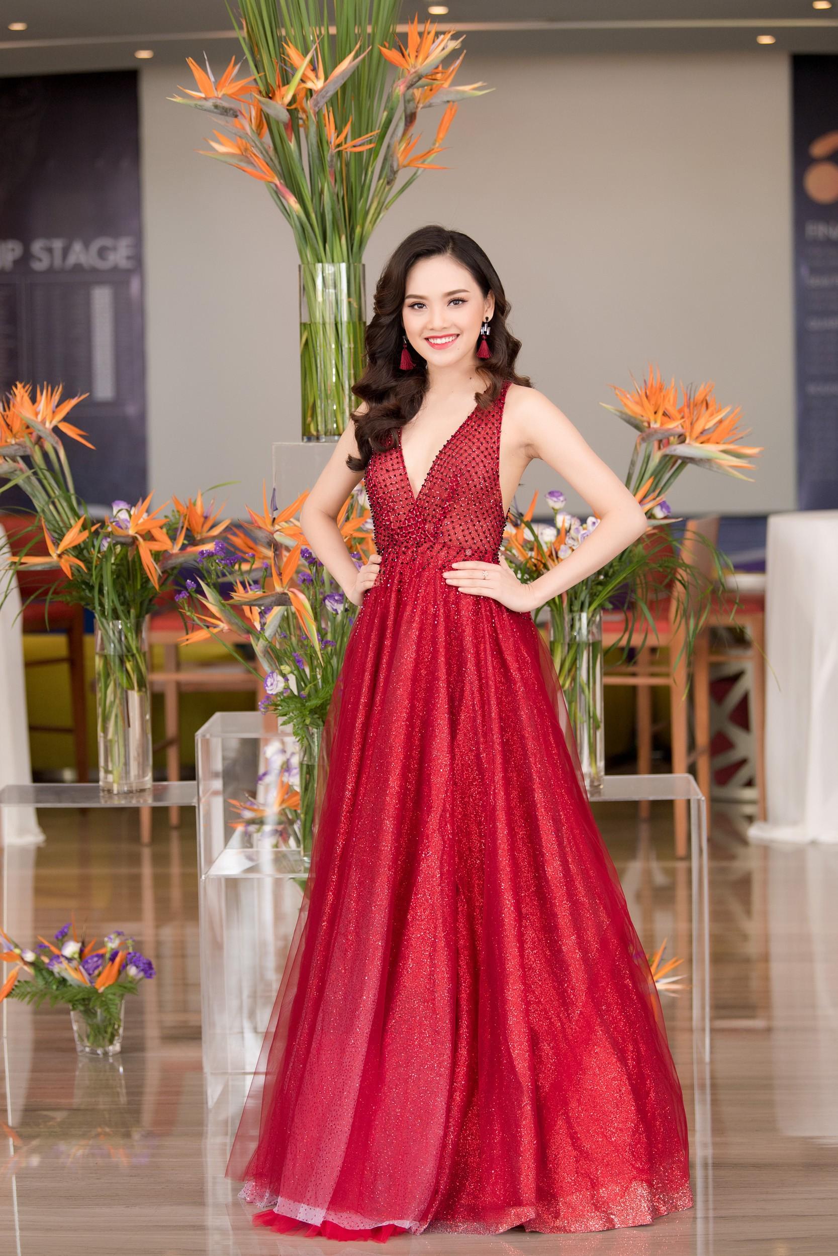 Hoa hậu Việt Nam 2018 mời bác sĩ nha khoa, nhân trắc học nhiều lần tránh để lọt thí sinh phẫu thuật thẩm mỹ - Ảnh 8.