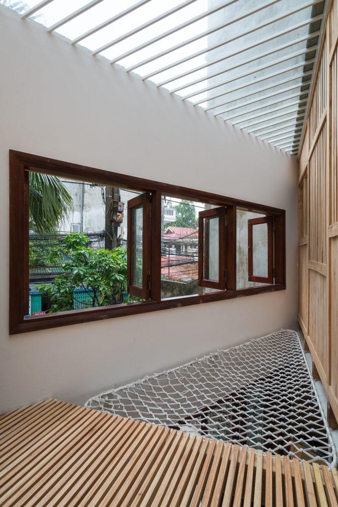 Ngôi nhà 30m² ở Tây Hồ, Hà Nội cho thấy: Khi hiện đại gặp xưa cũ sẽ tạo nên điều vô cùng kì diệu - Ảnh 13.