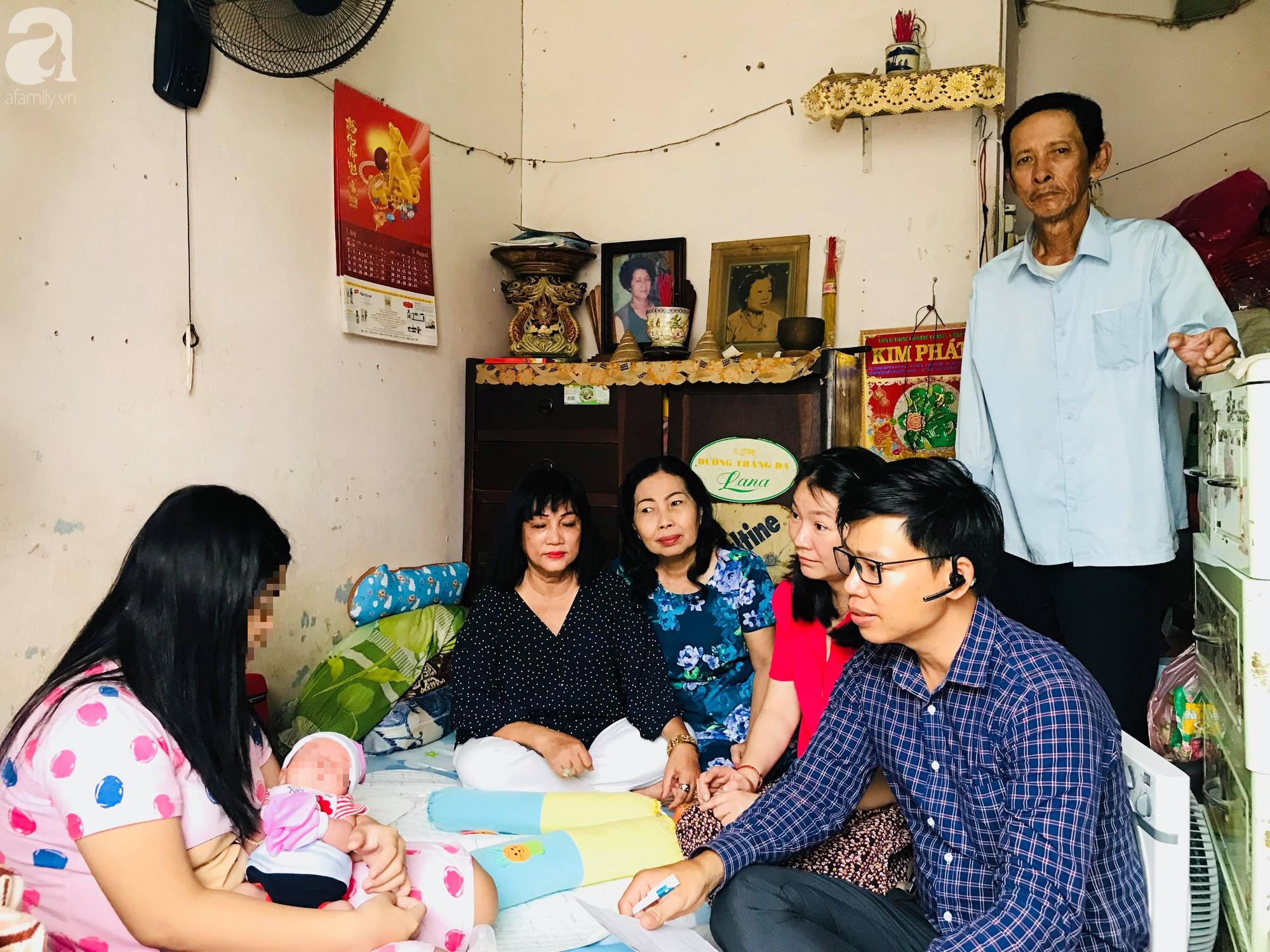 Vụ bé gái 14 tuổi bị mẹ bỏ, một mình chăm con trai nửa tháng tuổi: Kẻ xâm hại bé vừa lấy vợ, đang bị công an truy nã - Ảnh 1.