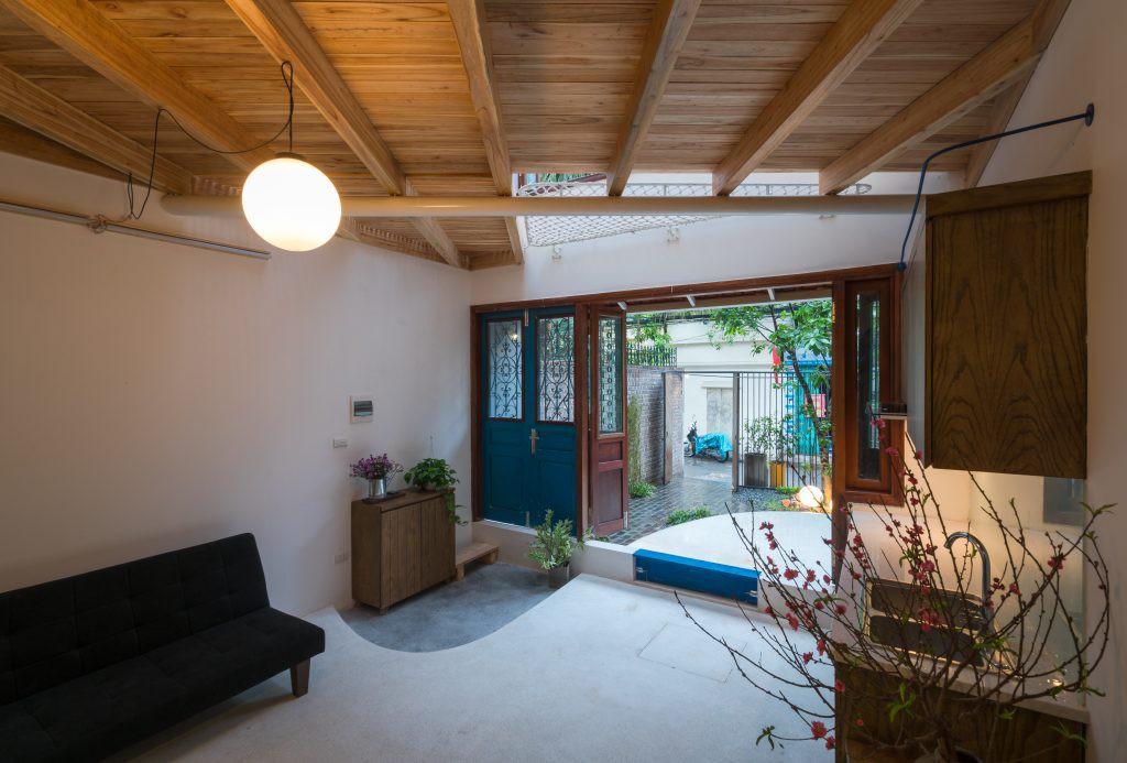 Ngôi nhà 30m² ở Tây Hồ, Hà Nội cho thấy: Khi hiện đại gặp xưa cũ sẽ tạo nên điều vô cùng kì diệu - Ảnh 3.