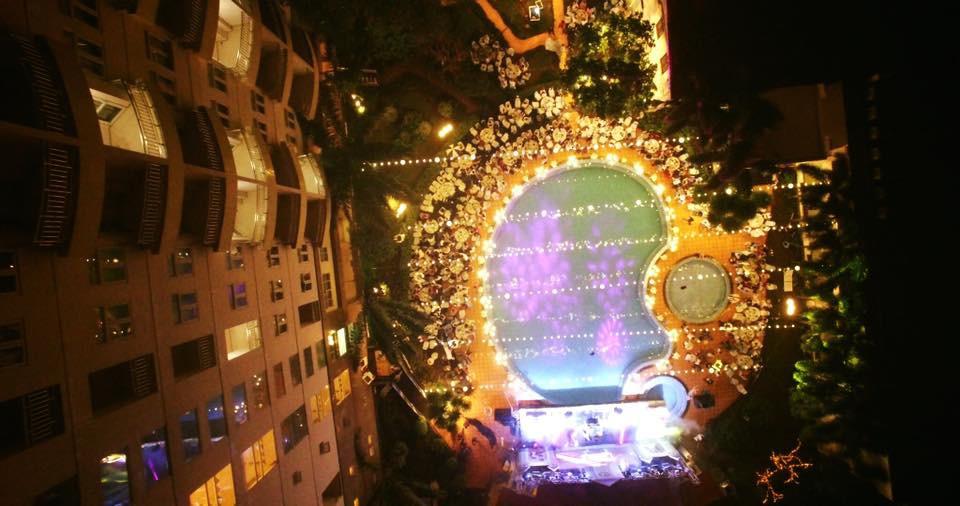 Lễ báo hỉ hoành tráng pool party ở Buôn Mê Thuột riêng tiền trang trí hết 200 triêu, 1.000 khách mời, sân khấu như lâu đài - Ảnh 8.