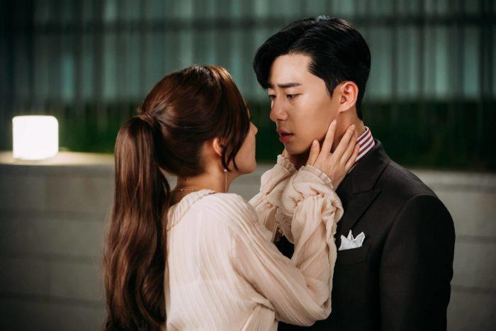 5 kieu ao blouse duoc thu ky Kim lang xe: thanh lich, cuon hut va cac co nang cong so hoan toan co the hoc theo