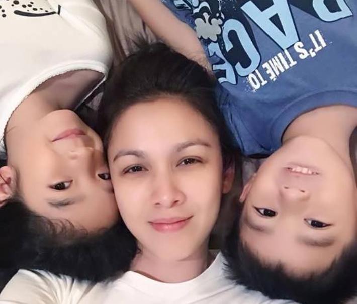 Mẹ trẻ tuyên bố tự hào vì có 2 con trai, khinh thường các nhà toàn con gái phải ngồi mâm dưới gây bão MXH - Ảnh 2.